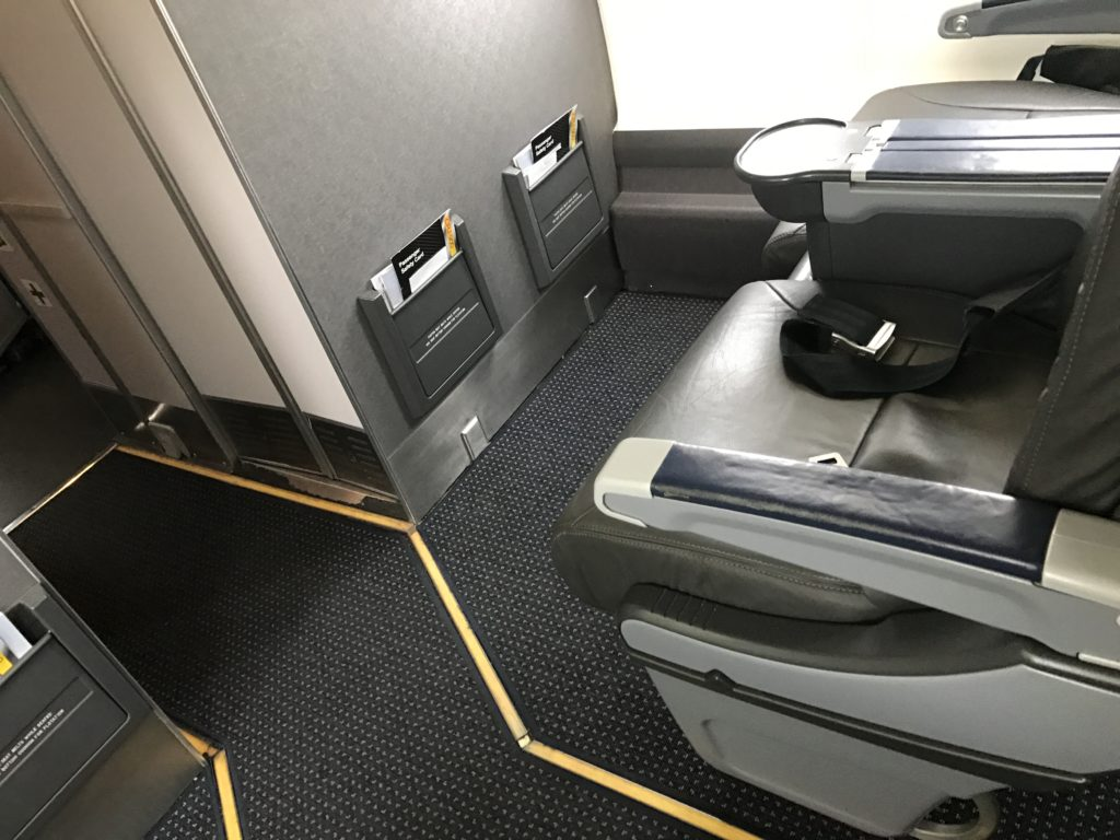 American Eagle Airlines Dallas to Santa Barbara CRJ-900 First Class Bulkhead Row Photos