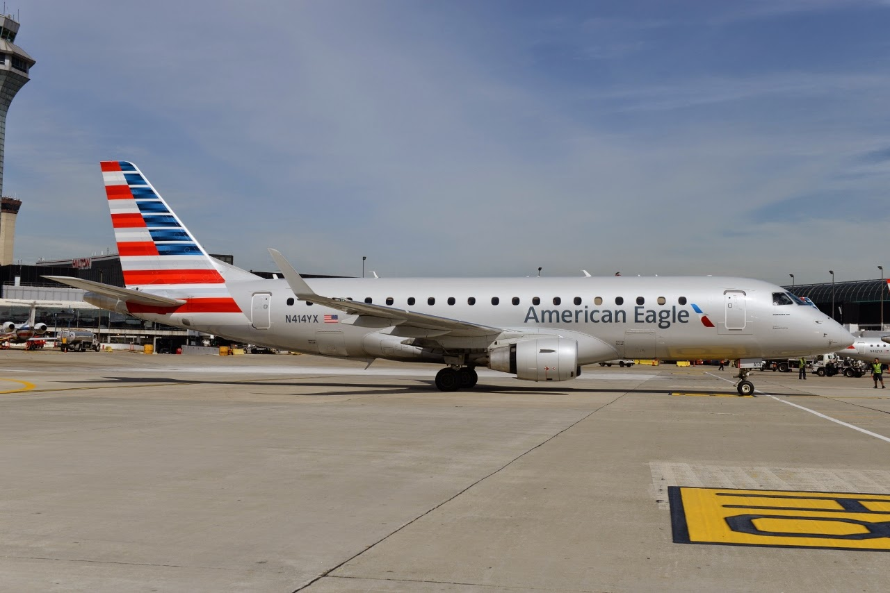 American Eagle Airlines Embraer E175 N414YX Photos