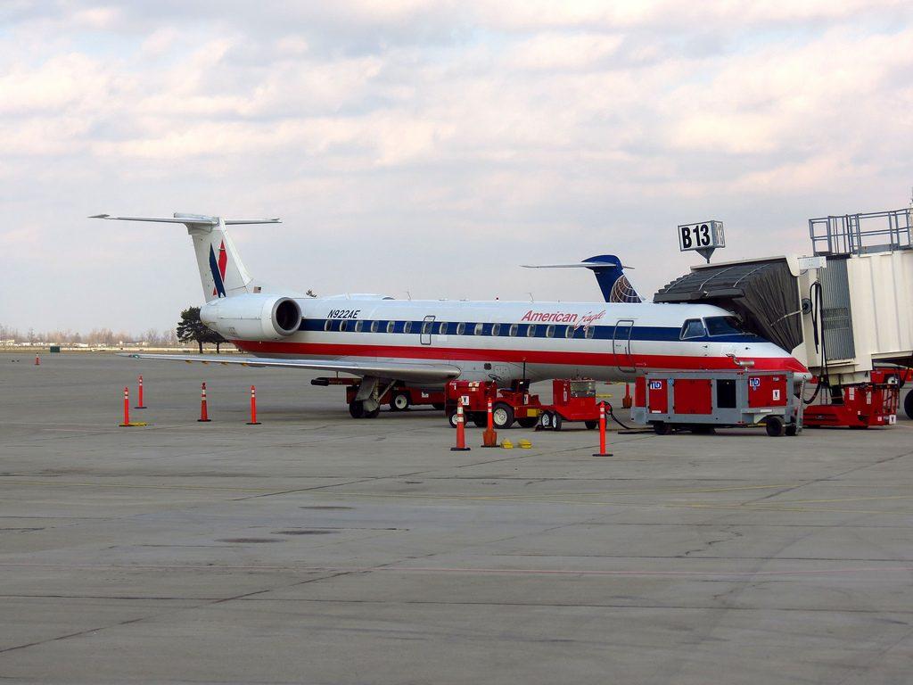 American Eagle Airlines Embraer ERJ-145 N922AE at Toronto - Lavatory Smoke Indication
