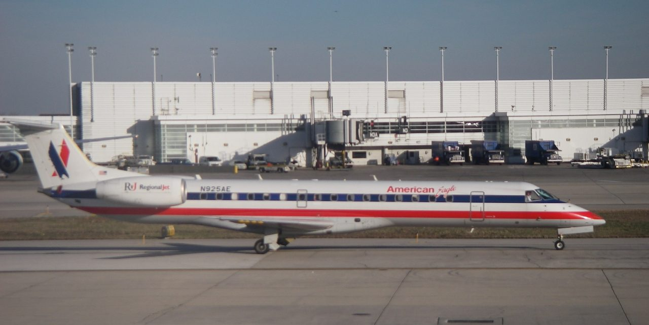 American Eagle Airlines Embraer ERJ 145 N925AE at Midway Airport (Chicago, IL)