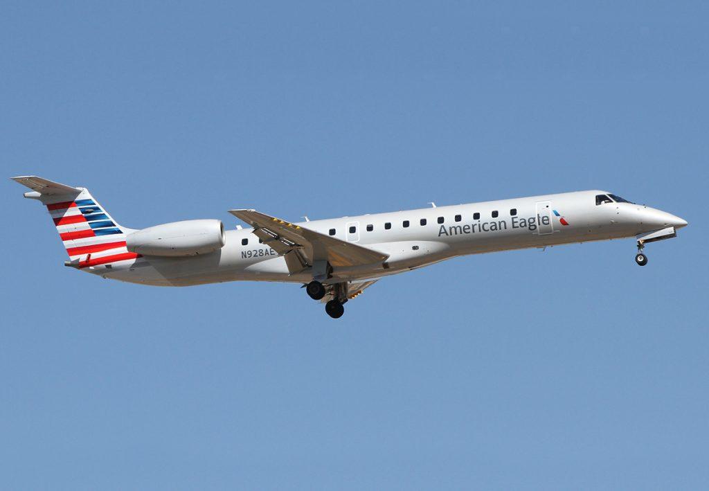 American Eagle Airlines - Embraer ERJ-145 N928AE Photos