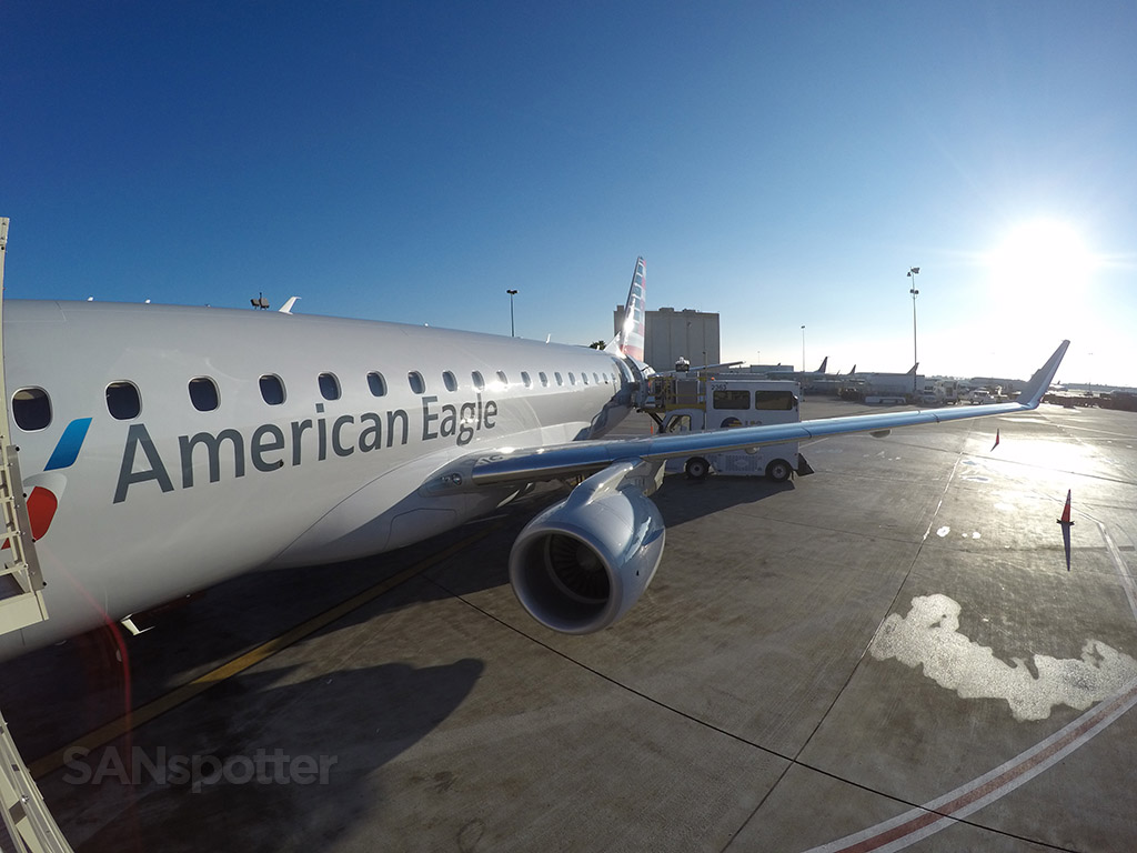 American Eagle Airlines Embraer ERJ-175 N209NN Landing at LAX @SANspotter