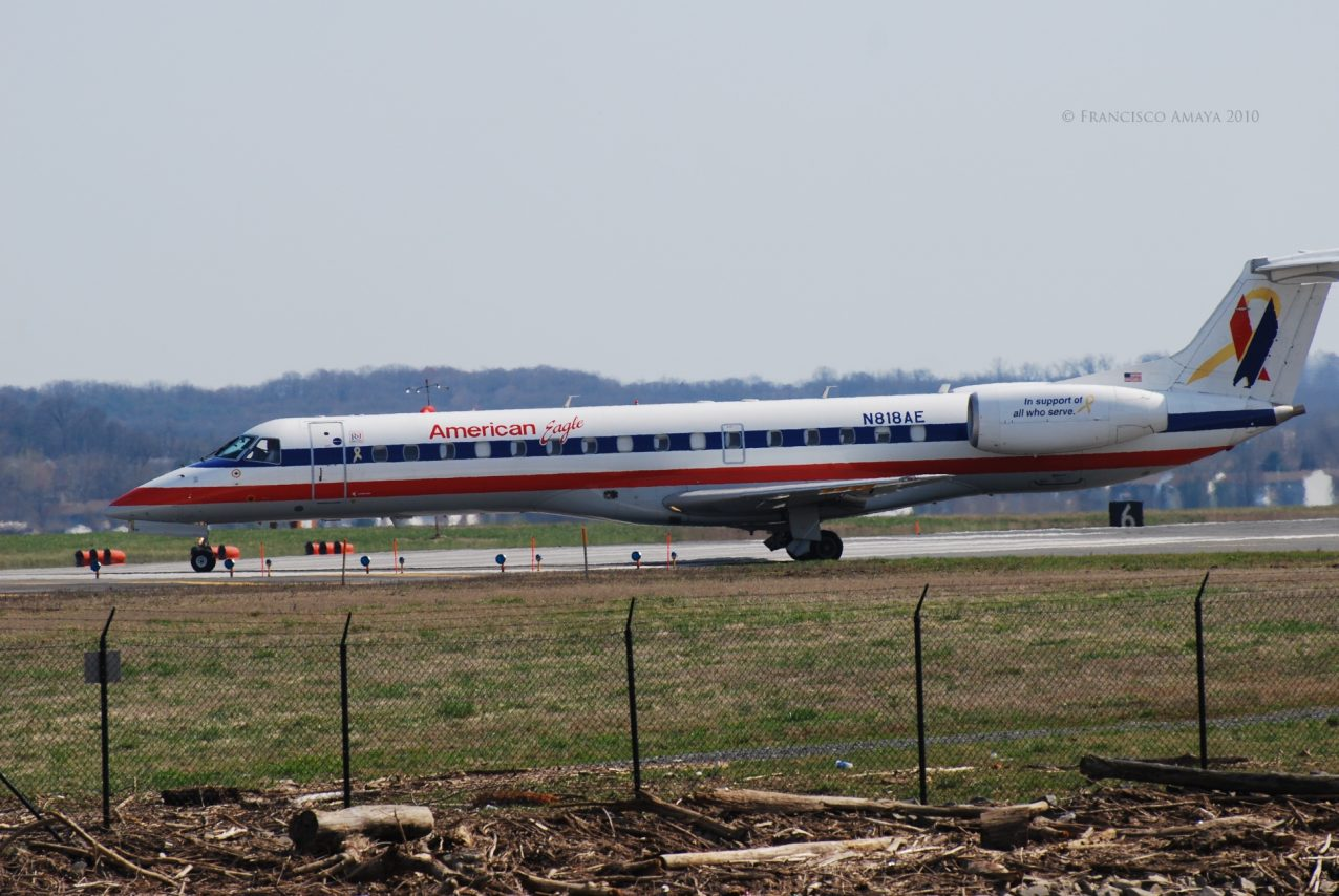 American Eagle Airlines Fleet Embraer ERJ-140 N818AE Photos