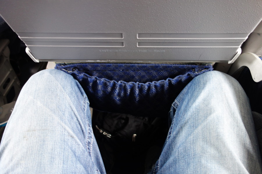American Eagle Airlines Regional Jet Embraer ERJ-140 Seats Pitch Legroom Photos