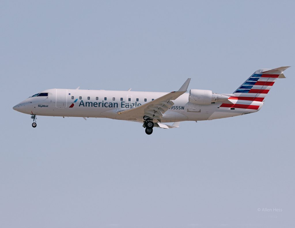 American Eagle CRJ-200 N955SW Operated by Skywest Los Angeles Int'l Airport