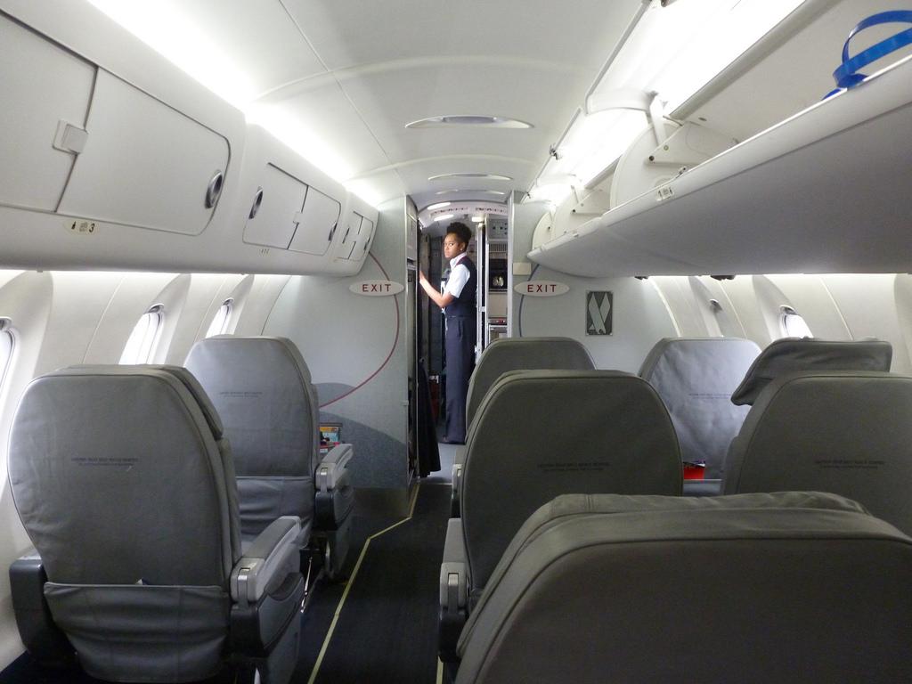 American Eagle CRJ-700 First Class Cabin