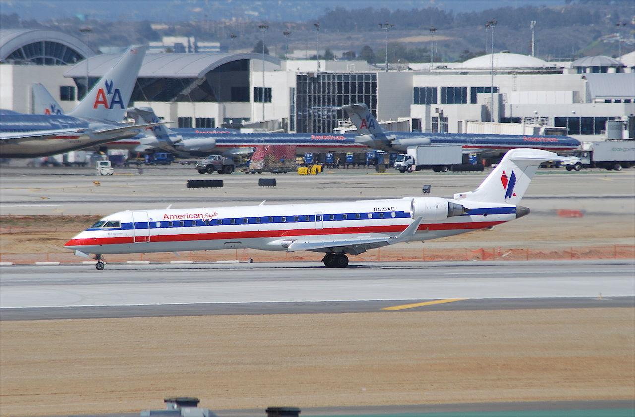 American Eagle Canadair Bombardier CRJ-700 N519AE @LAX