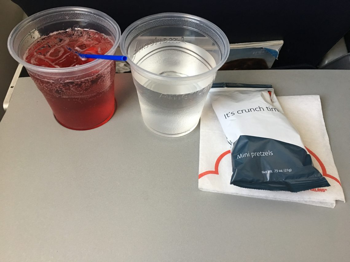American Eagle (Compass Airlines) Embraer E175 In-Flight Amenity Service