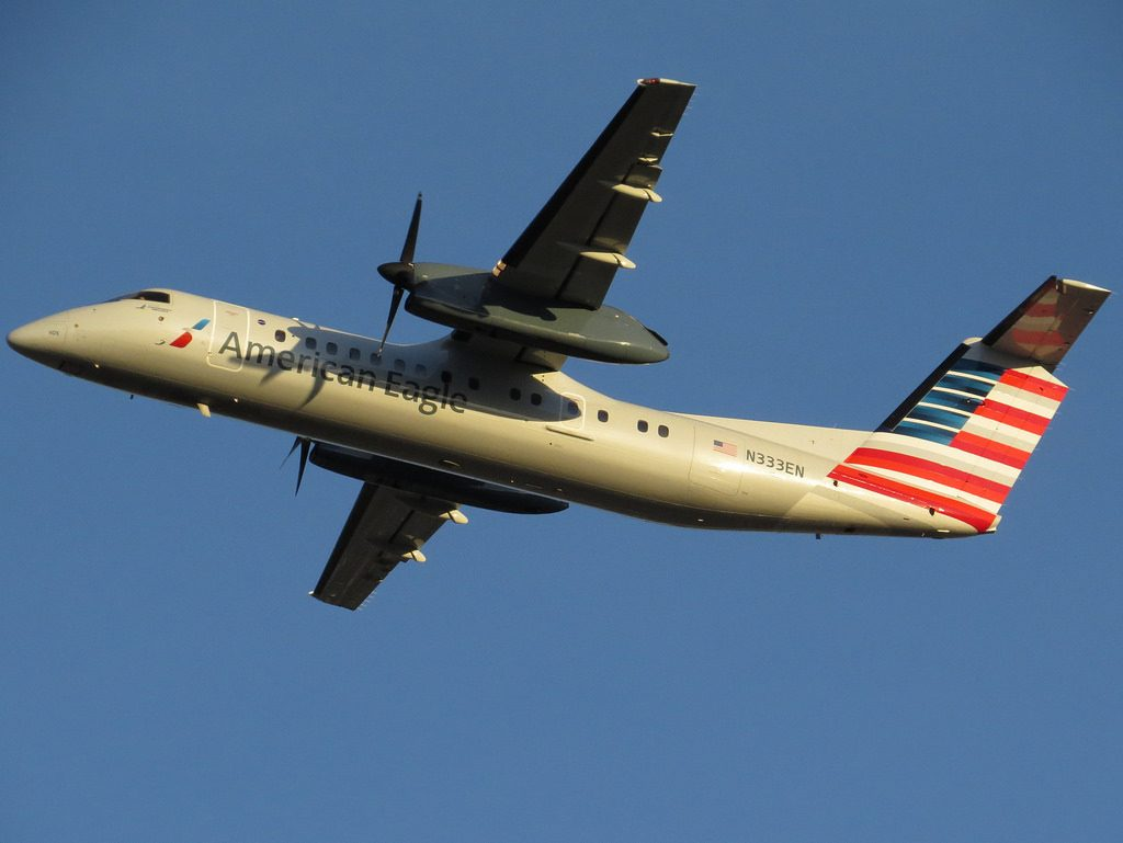 American Eagle Dash 8-300 N333EN Charlotte Douglas International Airport in Charlotte, North Carolina (KCLT)