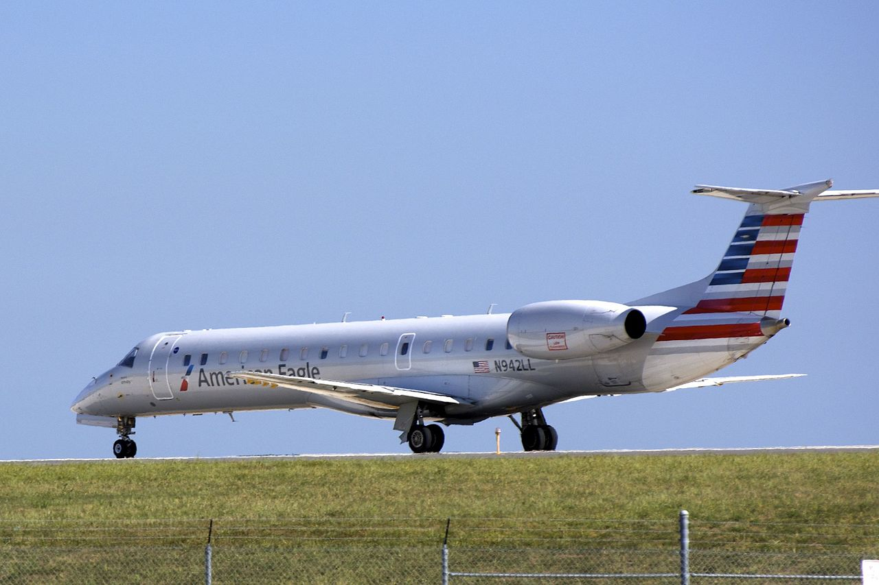 American Eagle (Envoy Air) ERJ-145 N942LL at Baltimore-Washington International Thurgood Marshall Airport (BWI), Maryland, USA