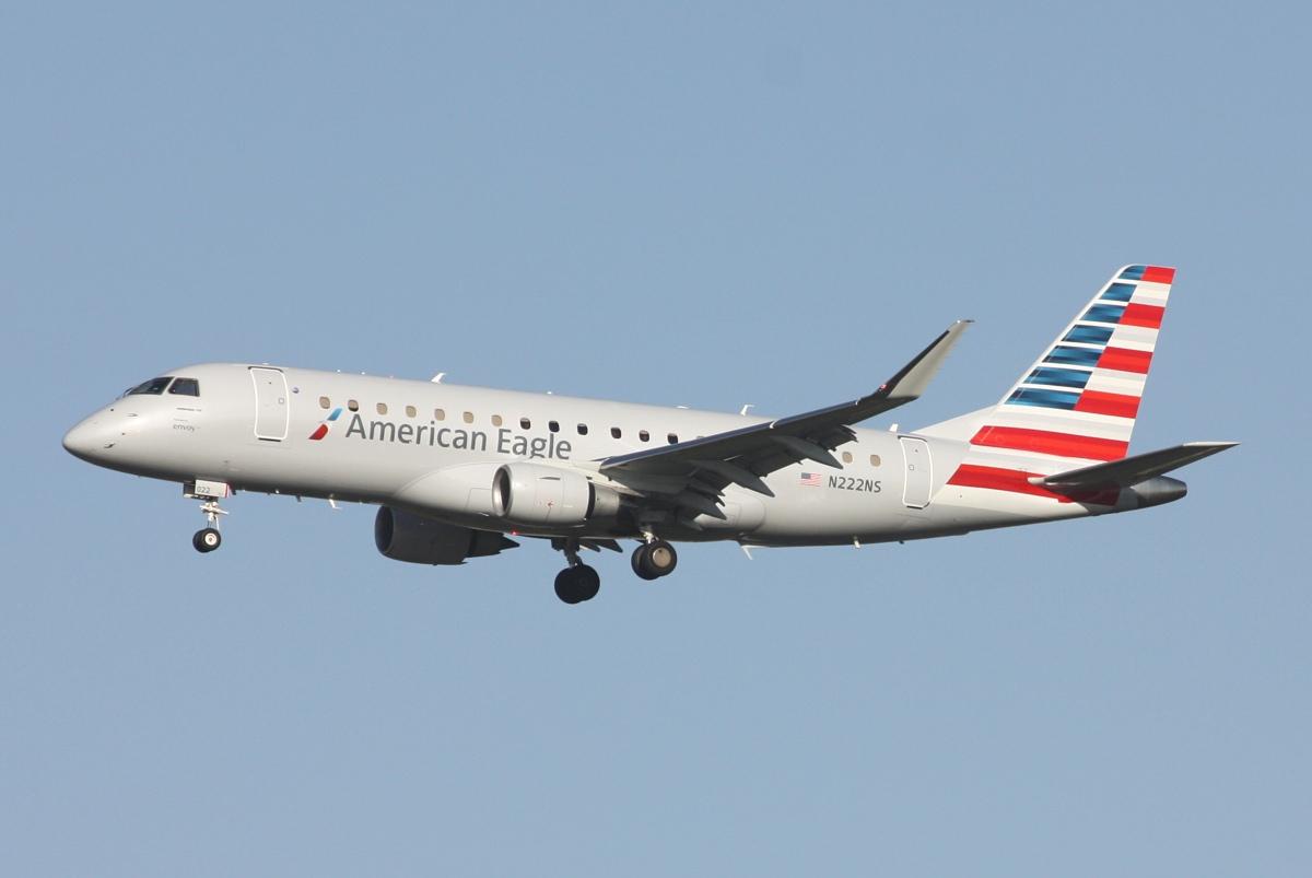 American Eagle (Envoy Air) Embraer E175 N222NS at DFW