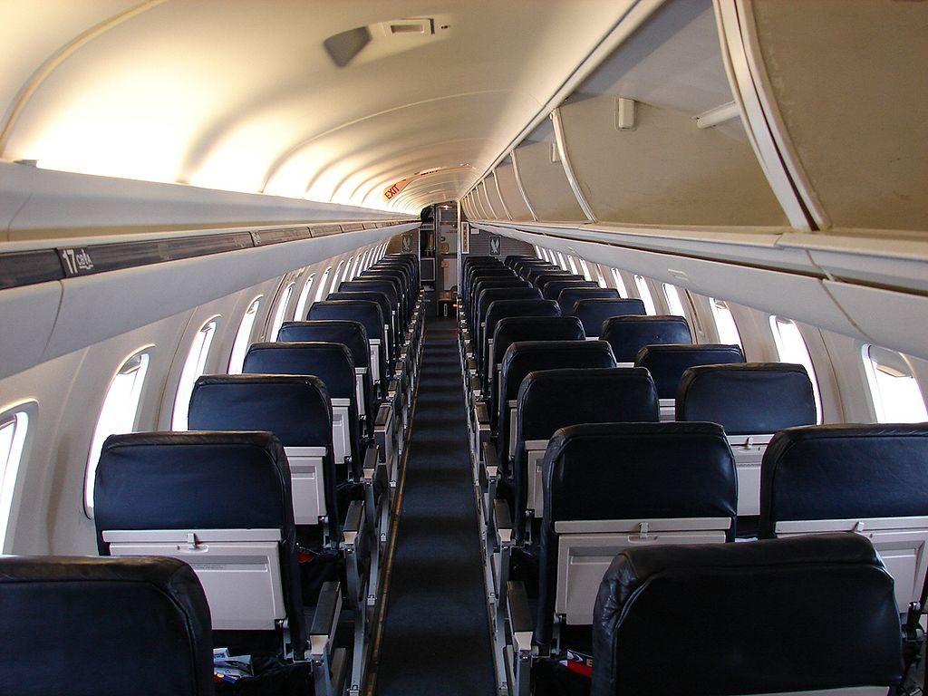 American Eagle (Envoy Air) Embraer ERJ-145 (N640AE) Main Cabin Interior Photos