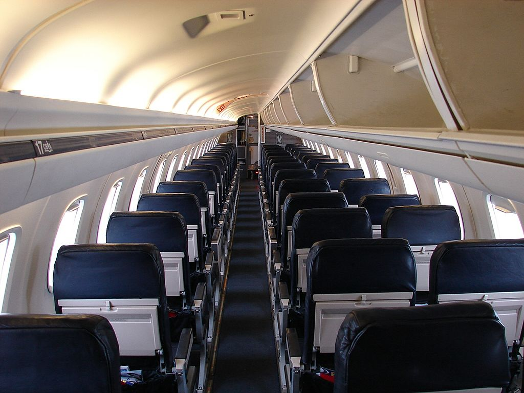 American Eagle (Envoy Air) Embraer ERJ-145 (N640AE) Main Cabin Interior Photos