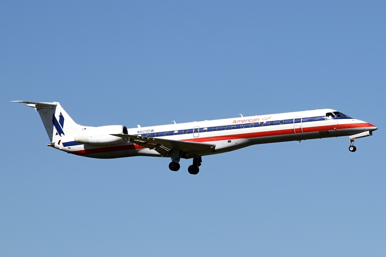 American Eagle (Envoy Air) Embraer ERJ-145:LR N601DW Photos