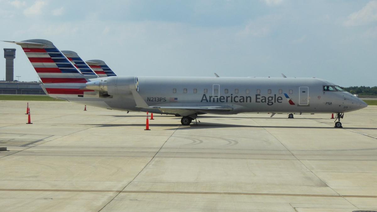 American Eagle PSA Airlines Bombardier CRJ-200 ER N213PS