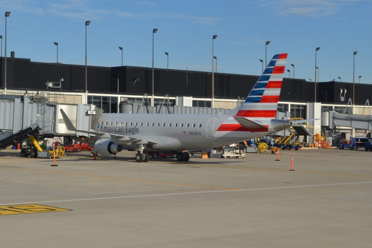 American Eagle (Republic Airlines) Embraer E-175 N428YX Passenger Boarding