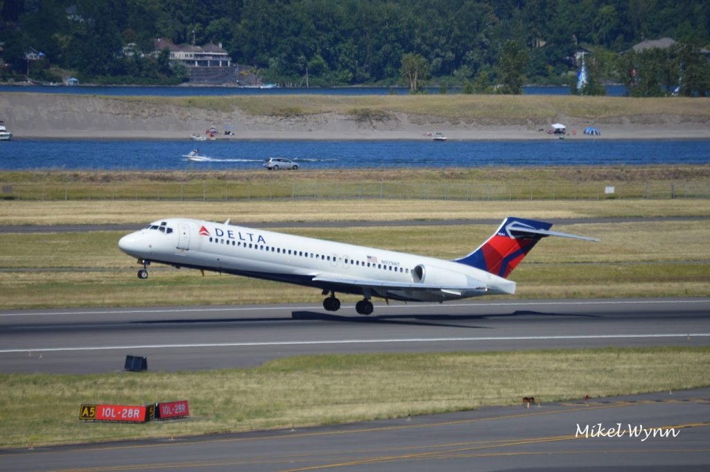Boeing 717-200 (N979AT) of Delta Air Lines departing from Portland International Airport in Portland @Mikel Wynn