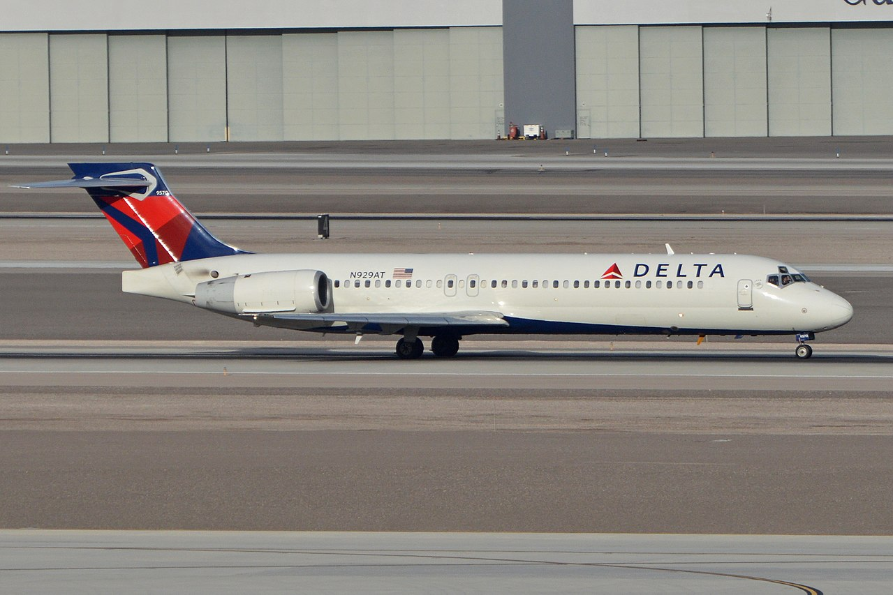 Boeing 717-231 N929AT Delta Air Lines c:n 55075, l:n 5032 Built 2000. Seen departing on flight DAL1164 to Seattle. McCarran International Airport, Las Vegas, NV, USA. 3rd March 2016
