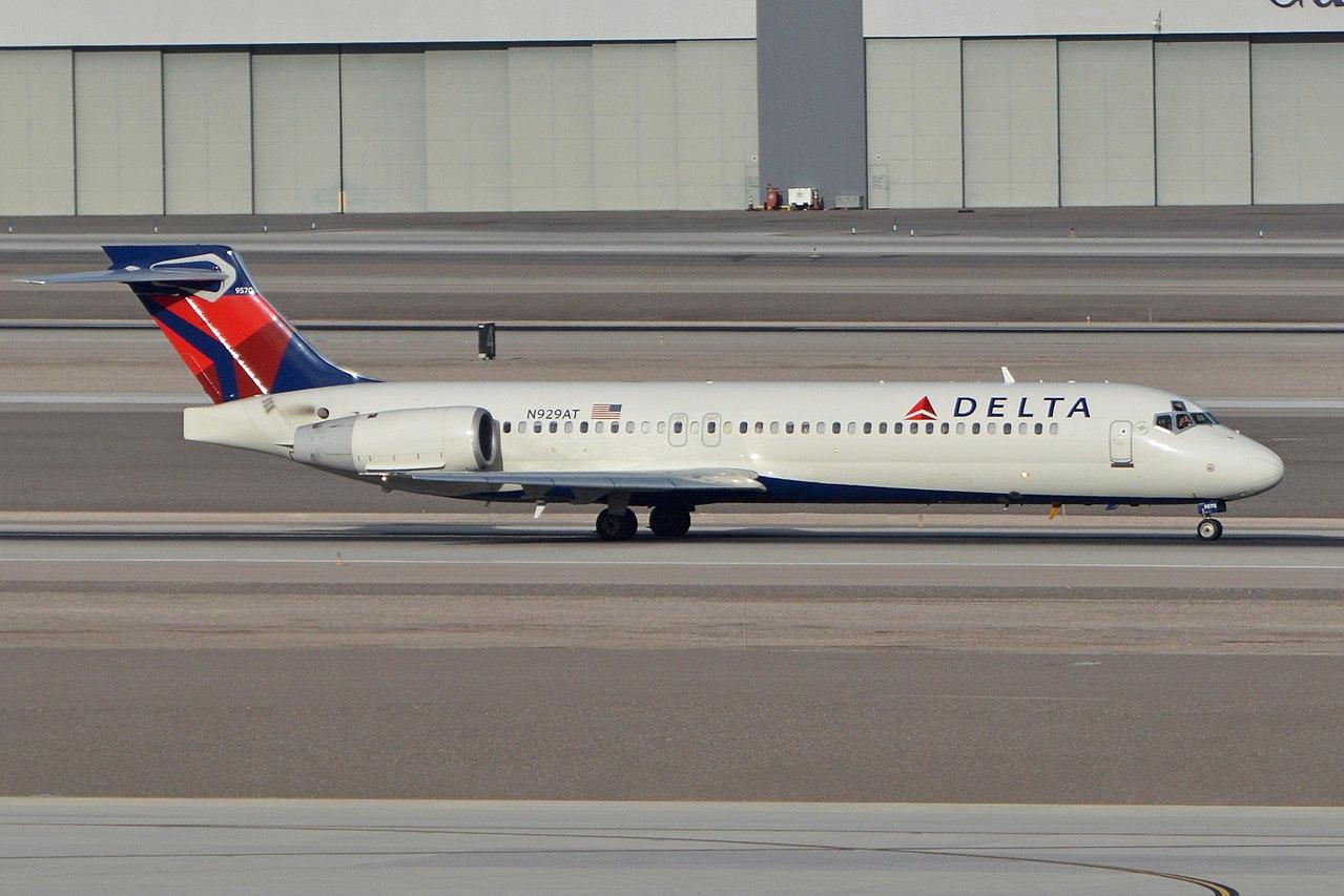 Boeing 717-231 N929AT Delta Air Lines c:n 55075, l:n 5032 Built 2000. Seen departing on flight DAL1164 to Seattle. McCarran International Airport, Las Vegas, NV, USA. 3rd March 2016