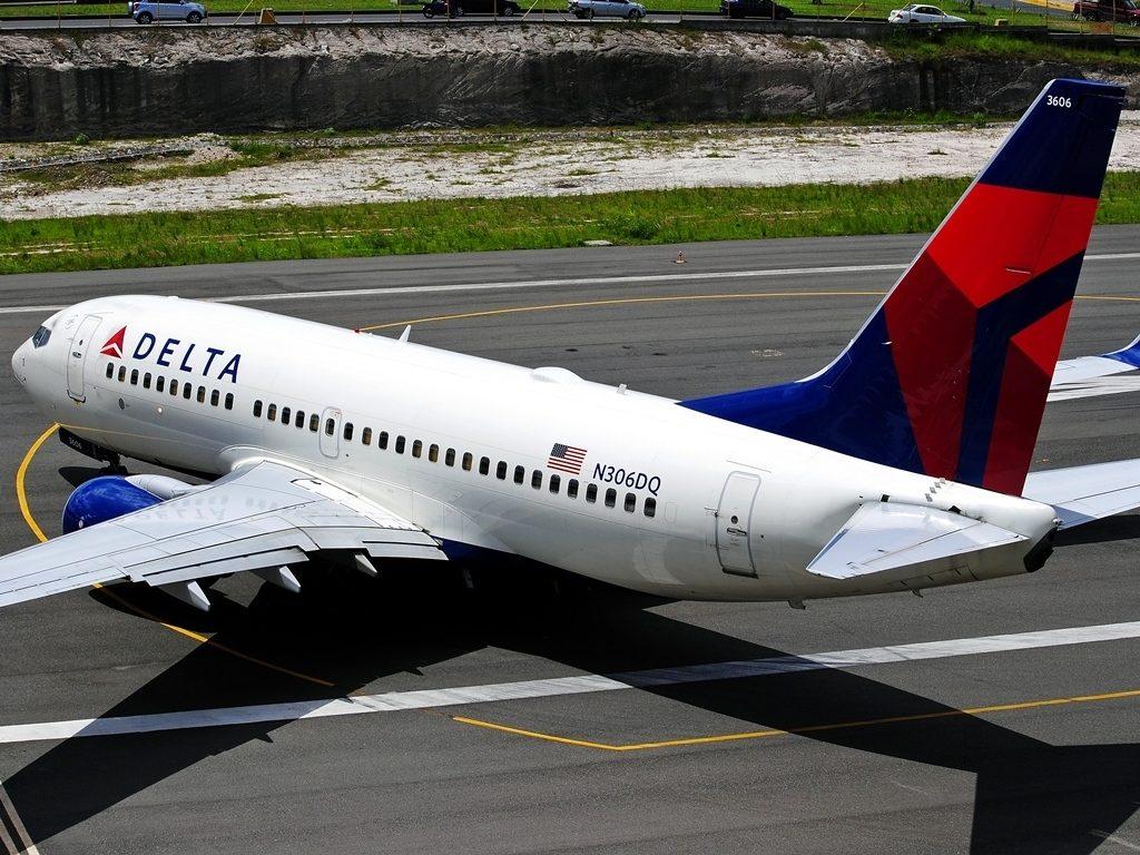 Boeing 737-732 N306DQ Delta Air Lines at Tegucigalpa Toncontin Int'l - MHTG, Honduras