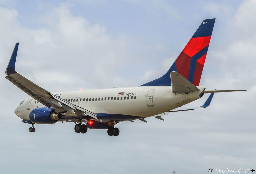 Boeing 737-732 Winglets Delta Air Lines Fleet Registration N309DE Aircraft Photos by Maxime C-M