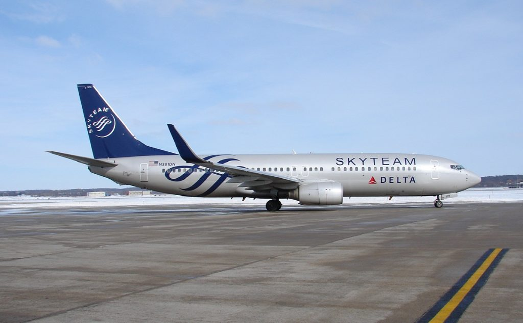 Boeing 737-800 N381DN Skyteam Livery of Delta Air Lines at Dane County Regional Airport