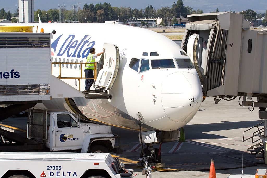 Boeing 737-800 of Delta Air Lines service maintenance at San Jose International Airport