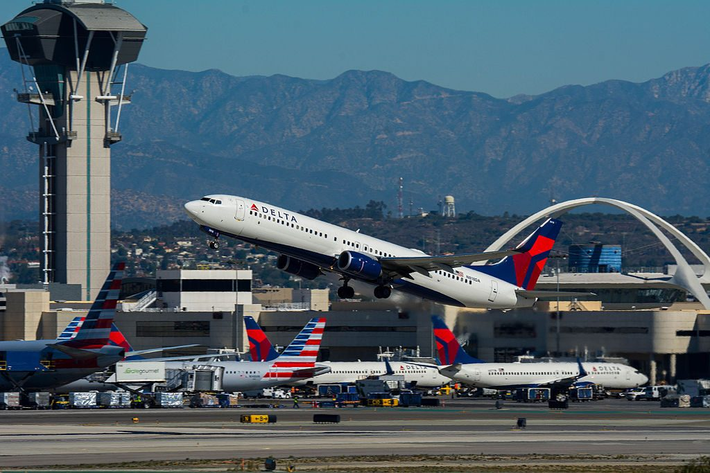 Boeing 737-932(ER) cn:serial number- 31928:4829 Delta Air Lines N818DA at LAX