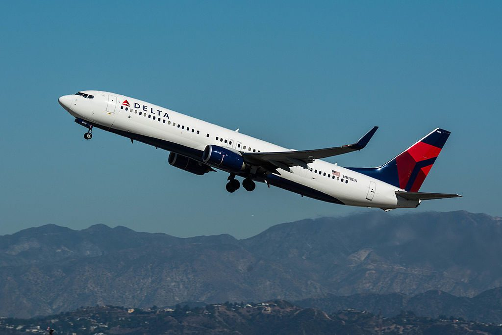 Boeing 737-932(ER) cn:serial number- 31928:4829 Delta Air Lines N818DA take off at LAX
