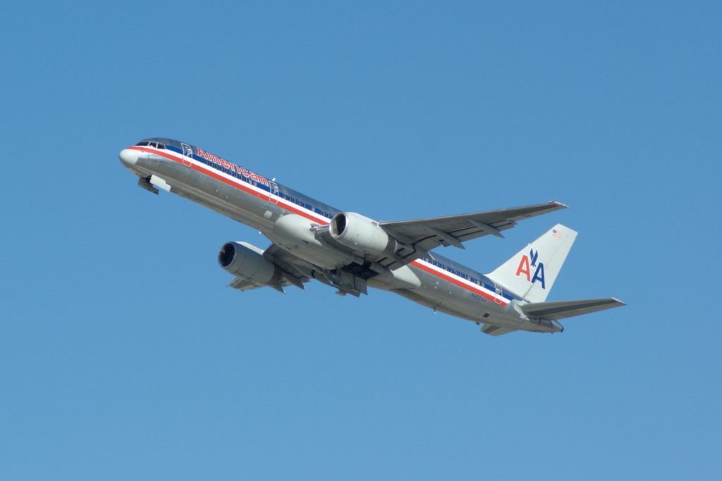 Boeing 757-223, N622AA, c:n 24580, American Airlines, photo © 2007 Skytamer Images by John Shupek