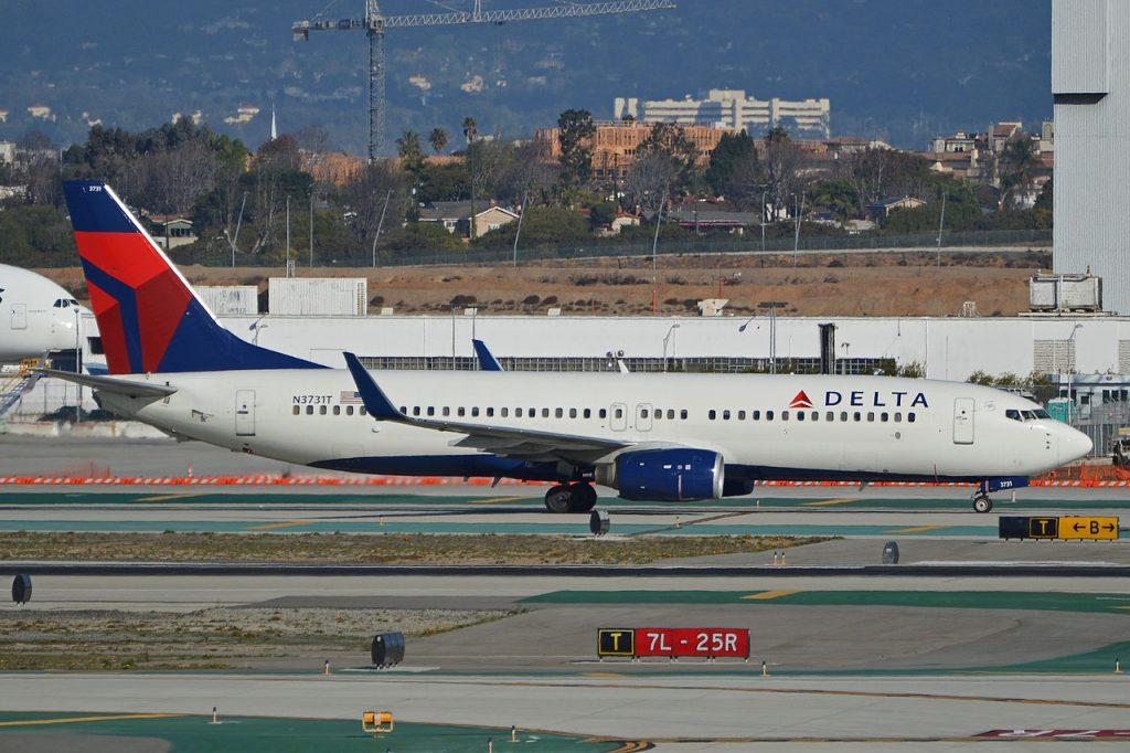 Boeing_737-832(w)_'N3731T'_Delta_(14007789948)