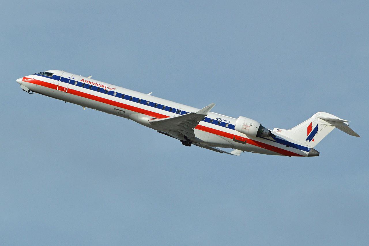 Bombardier CRJ-700 N501BG American Eagle Airlines Departing LAX