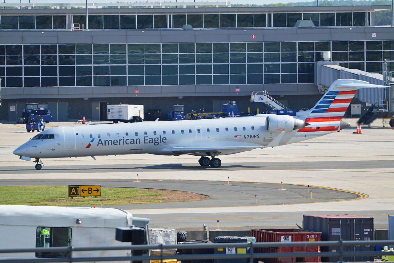 Bombardier CRJ-700 N710PS American Eagle Airlines Washington Dulles Airport
