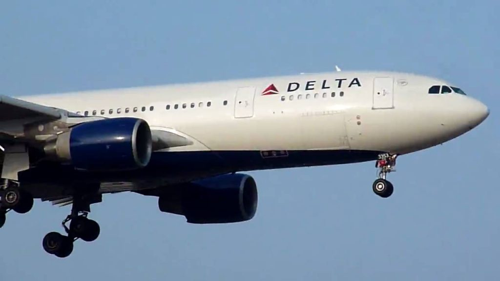 [Crosswind landing] Delta Airlines Airbus A330-200 (N853NW) at NRT (Tokyo - Narita)