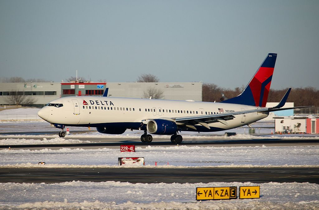 Delta Air Lines 737-900ER N814DN landing at New York JFK Airport