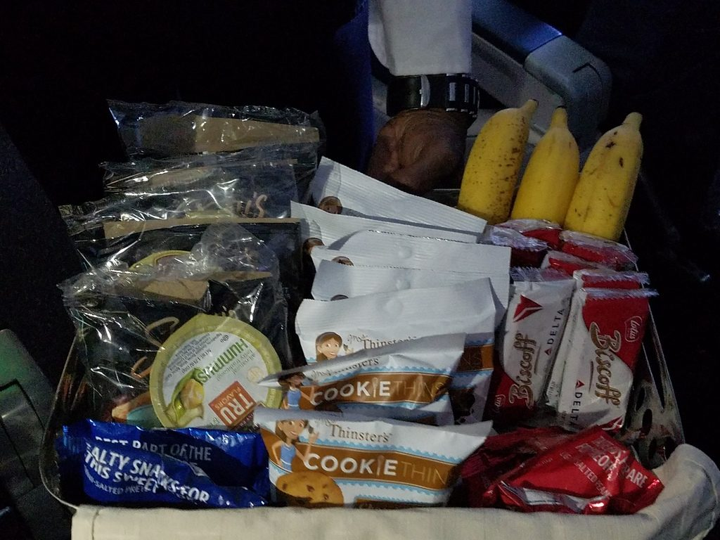 Delta Air Lines Airbus A319-100 First Class In-Flight Amenities Snacks Basket