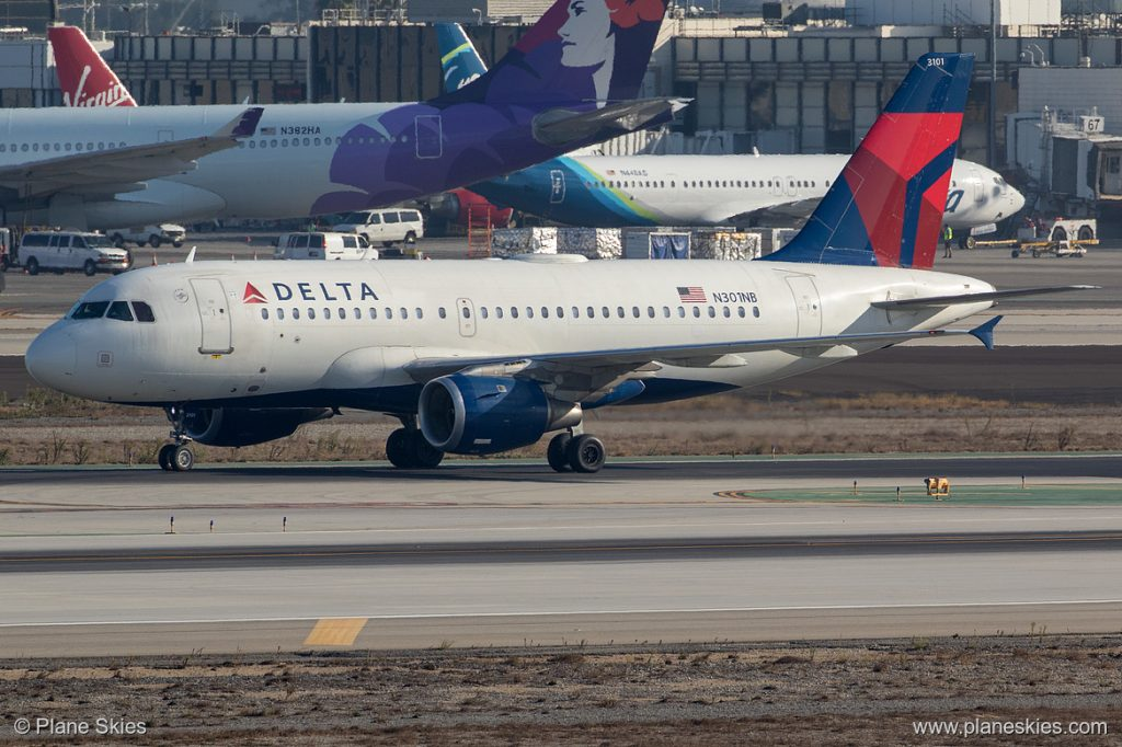 Delta Air Lines Airbus A319-100 N301NB at Los Angeles International Airport (KLAX:LAX) @Plane Skies