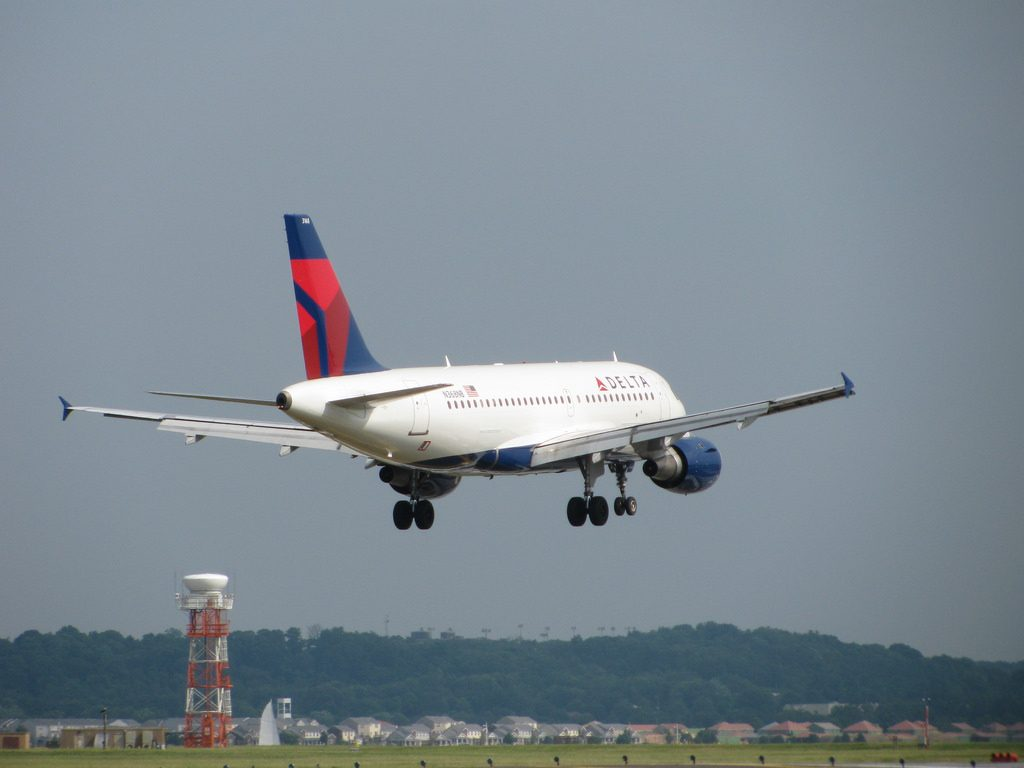 Delta Air Lines Airbus A319-100 N368NB Ronald Reagan National Airport