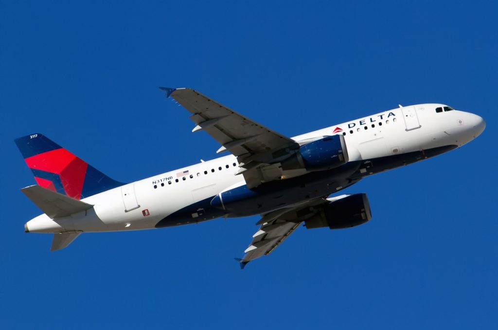 Delta Air Lines Airbus A319-114 N317NB Photos