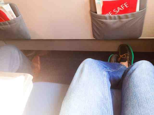 Delta Air Lines Airbus A320-200 Bulkhead Seats Pitch Legroom photos