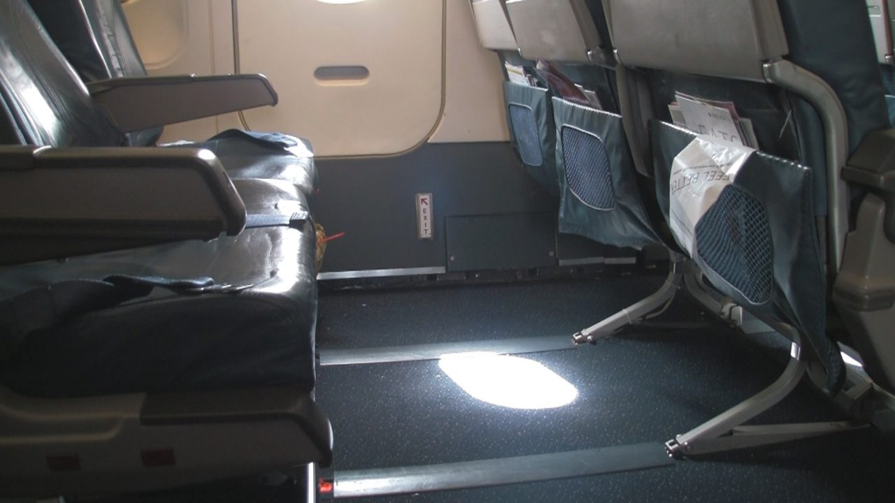 Delta Air Lines Airbus A320-200 Exit Sitting Row Photos