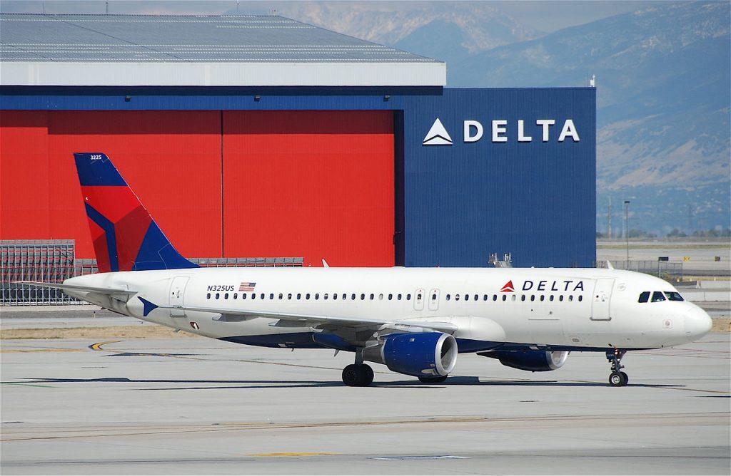 Delta Air Lines Airbus A320-211 N325US Salt Lake City International Airport (SLC)