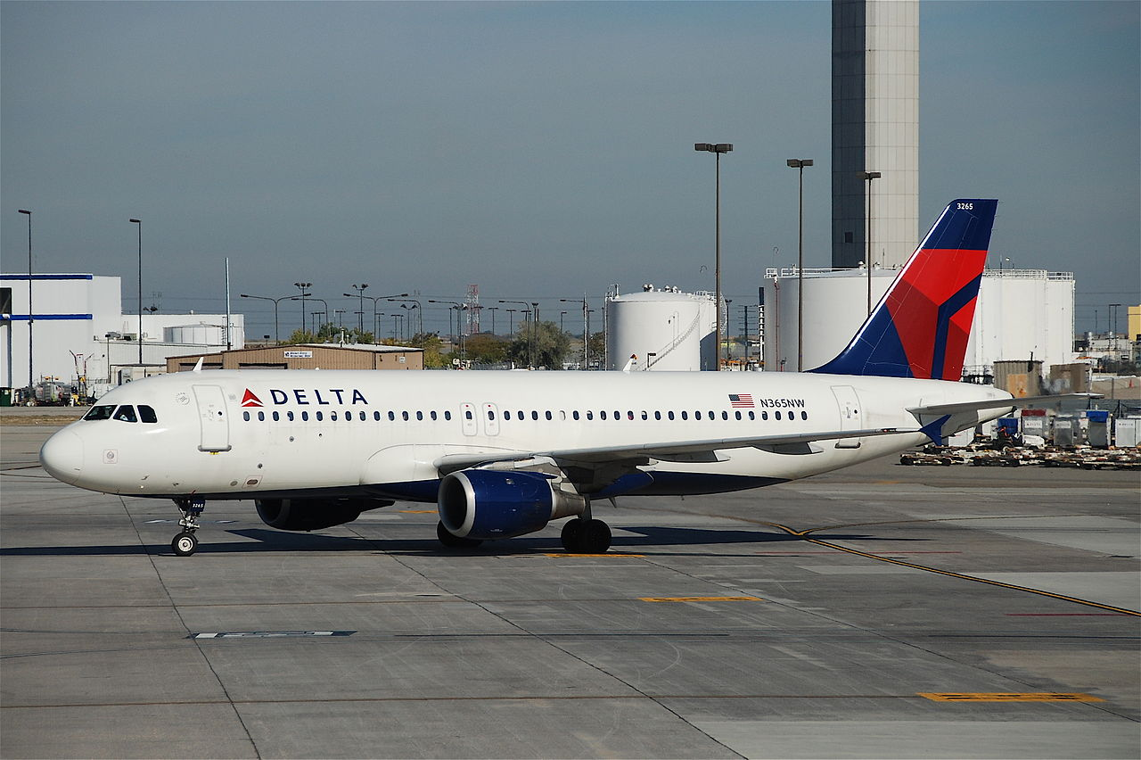 Delta Air Lines Airbus A320-212 N365NW at Salt Lake City International Airport (SLC)