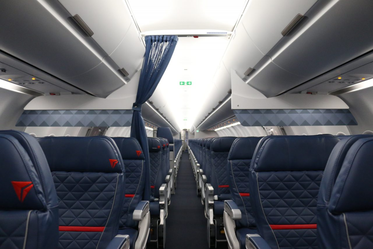 Delta Air Lines Airbus A321-200 Cabin Interior Photos