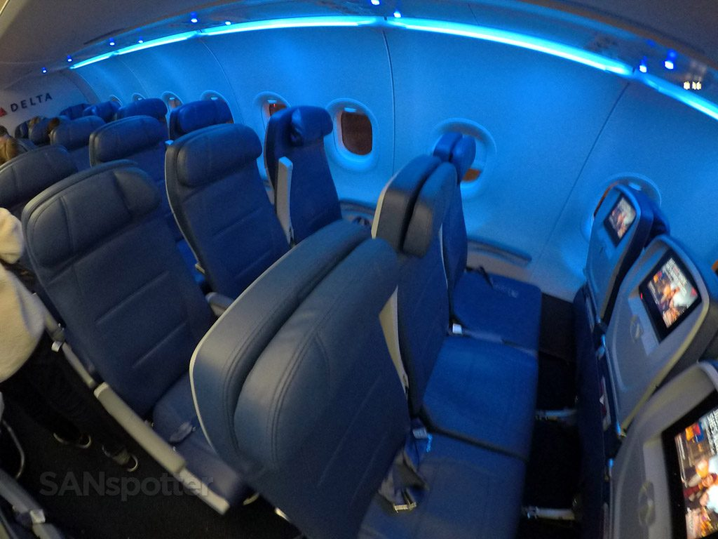 Delta Air Lines Airbus A321-200 Economy Class Seats photos @SANspotter