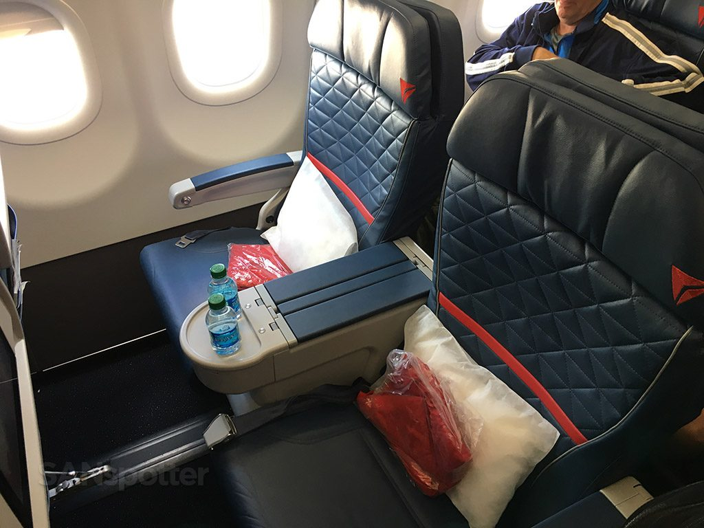 Delta Air Lines Airbus A321-200 First Class Seats photos @SANspotter