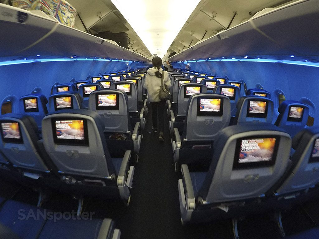 Delta Air Lines Airbus A321-200 Main Cabin Economy Class photos @SANspotter