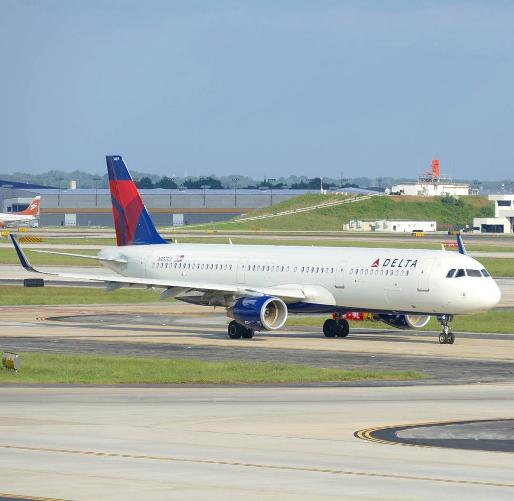 Delta Air Lines Airbus A321-200 (N307DX ) taxiing photos Hartsfield–Jackson Atlanta International Airport