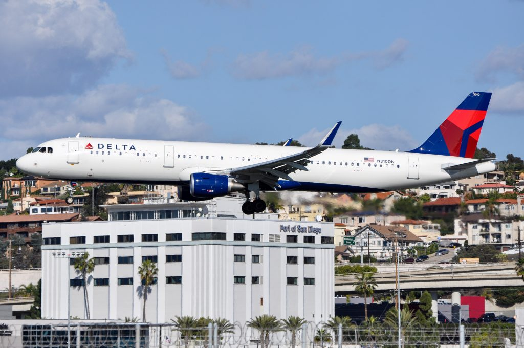 Delta Air Lines Airbus A321-200 N310DN Hartsfield Jackson Atlanta Intl (ATL)