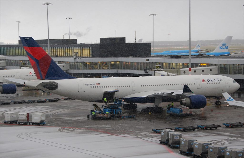 Delta Air Lines Airbus A330-223 N856NW AMS Schiphol Airport